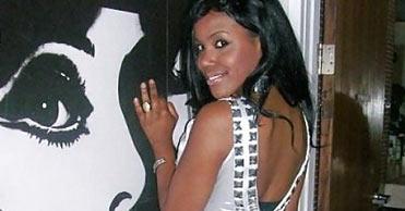Kaaria femme africaine sur Dijon pour dialoguer