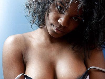 Jeune femme noire de Nantes à la recherche d'une liaison torride